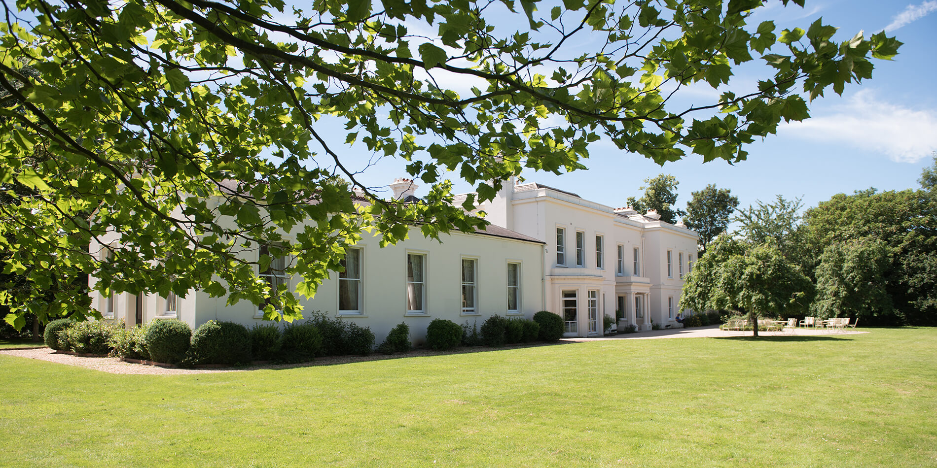 Find out what to expect from a luxury wedding venue – Morden Hall wedding venue in London