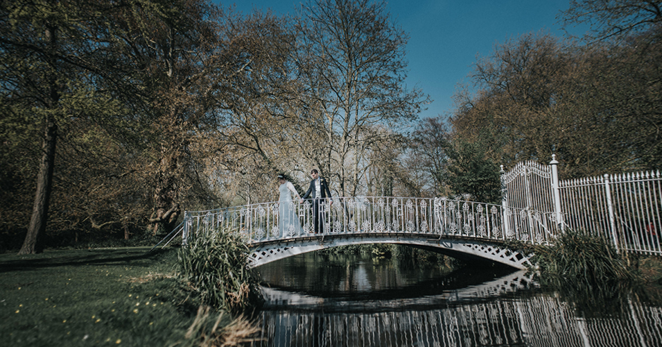 The-gardens-at-Morden-Hall-provide-a-tranquil-and-beautiful-backdrop-to-your-wedding-photos