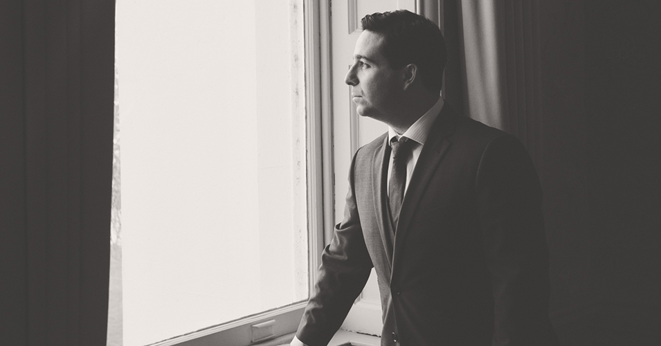 The groom takes a moment to prepare for the day ahead at this wedding venue in London