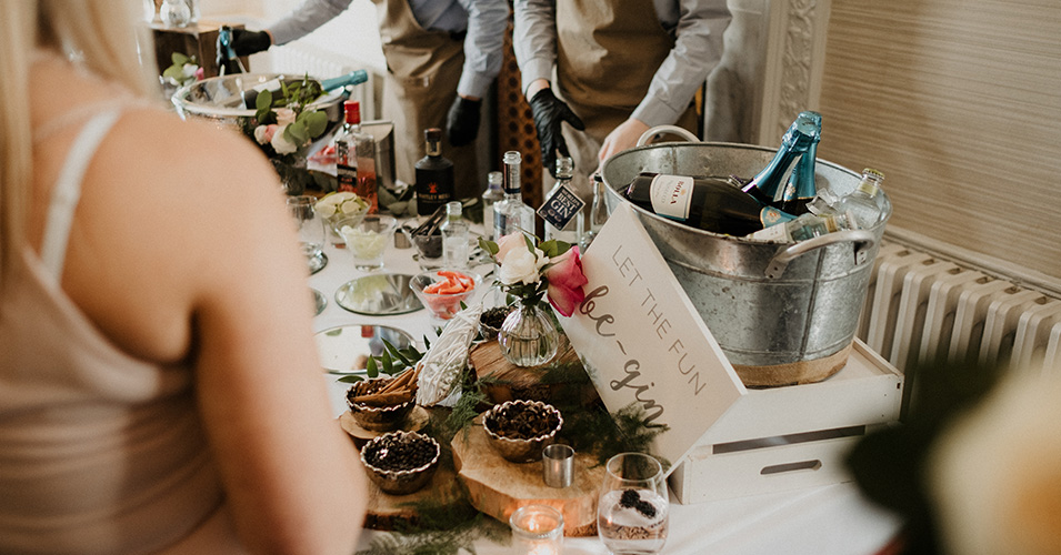 Guests enjoyed a Gin bar during the day – wedding ideas